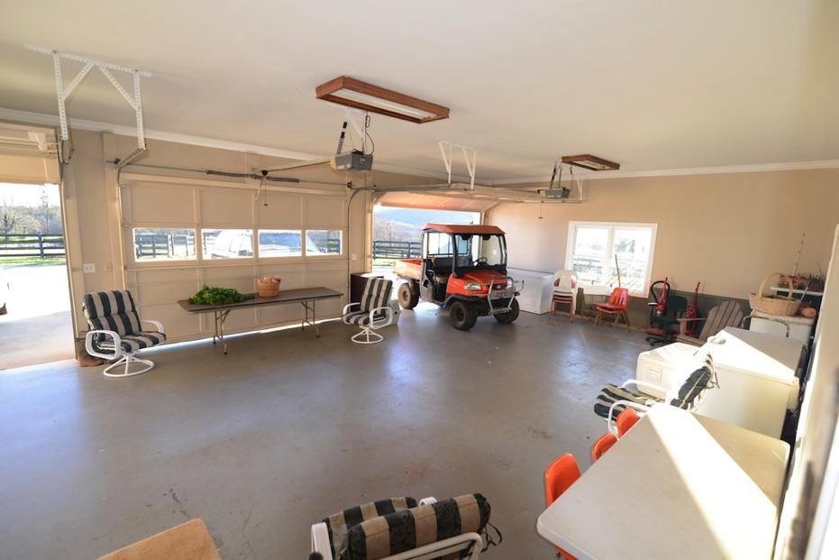 3 Car Garage Jasper Jewel